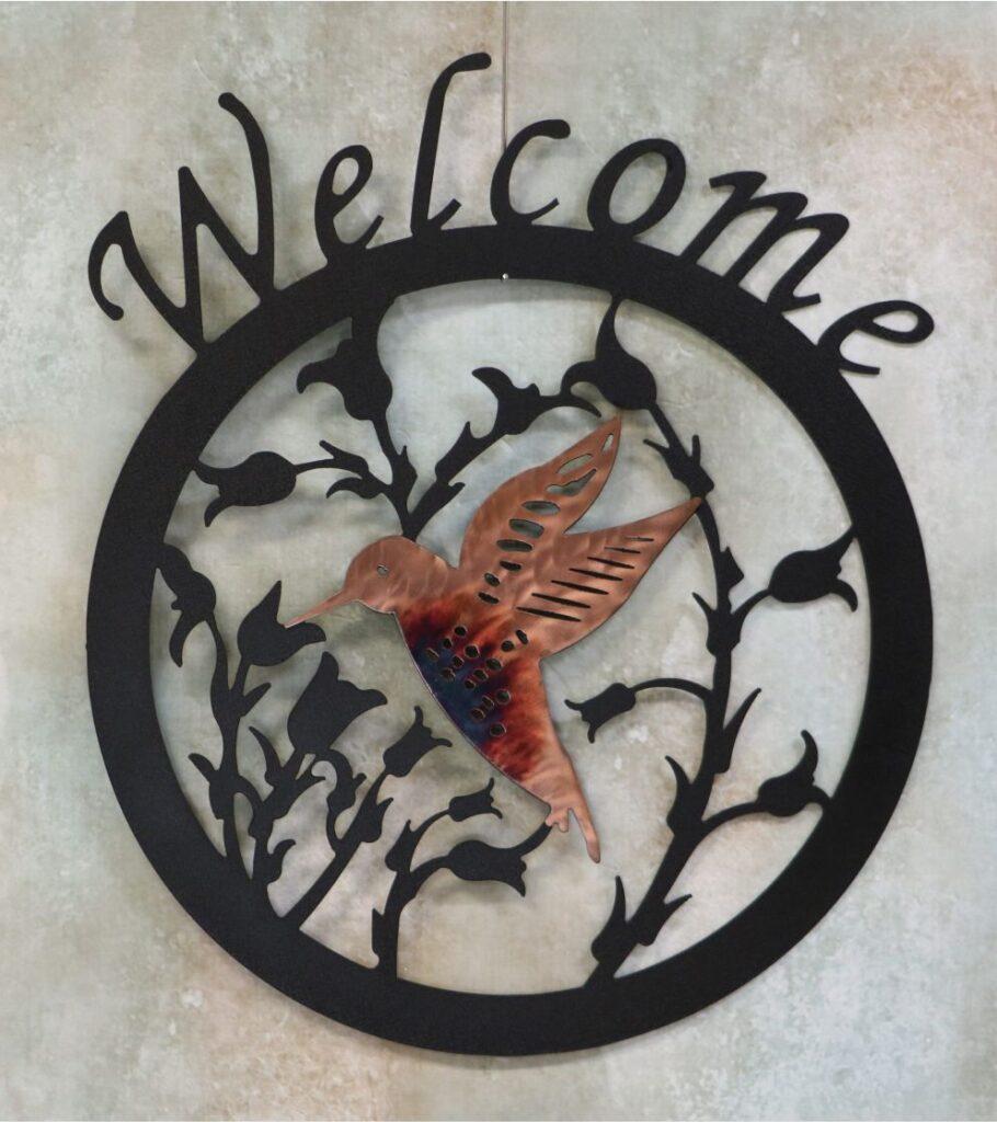 Metal Art, sign, round, humming bird, flying, flowers, vines, wings, beak